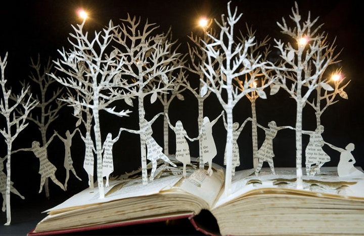 12 Dancing Princesses book sculpture
