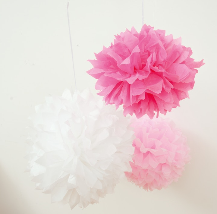 Make your own hanging pompons