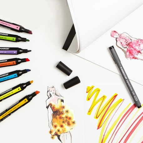 Aspiring Fashion Designer Set with Markers, Fineliners & Paper | Cass Art