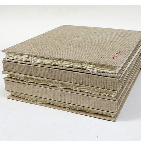 Khadi Hardback Sketchbook 210gsm 21 x 25cm 32 Pages | Cass Art